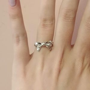 925 Sterling Silver Bow Ring
